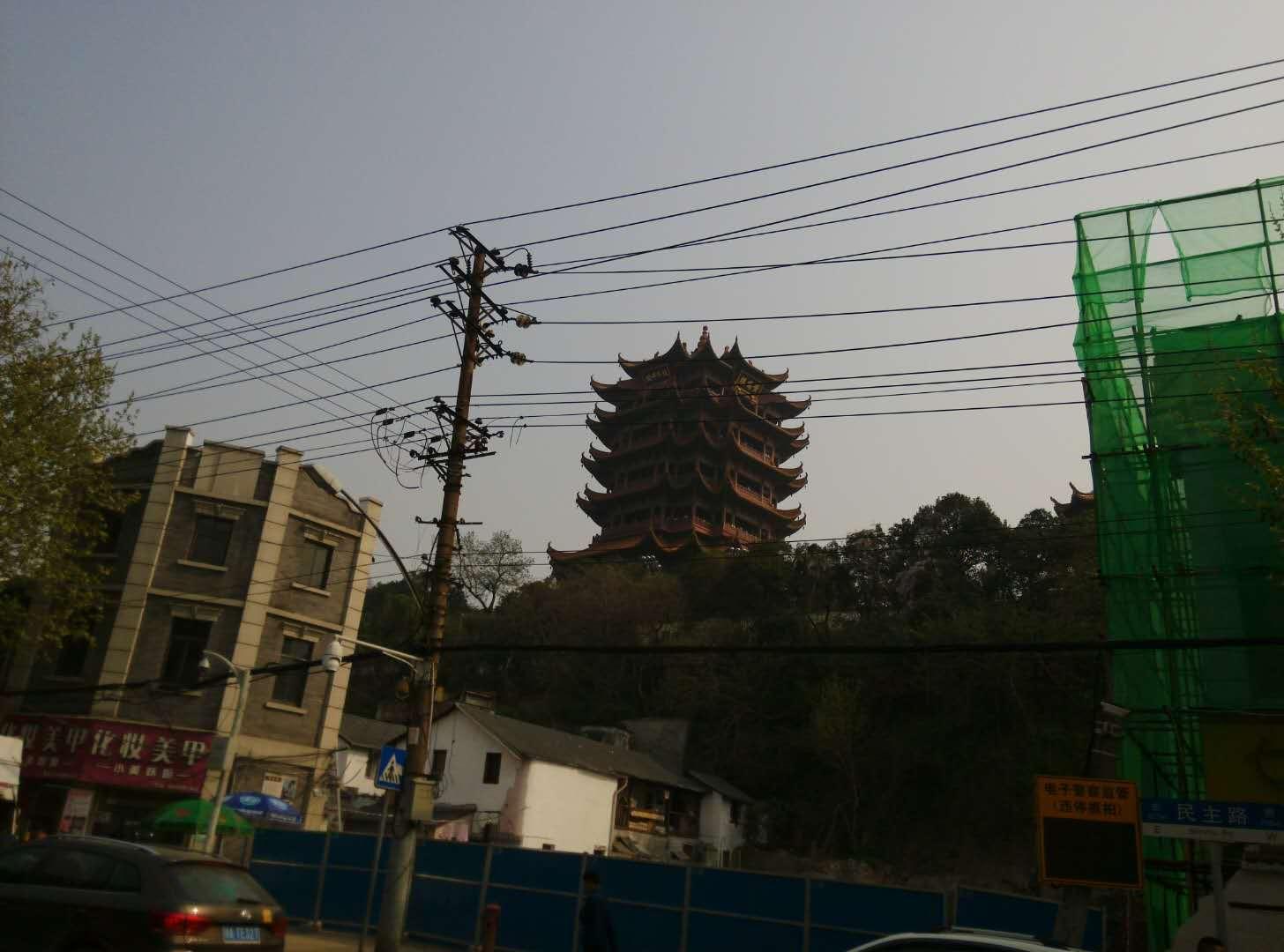 周末转一转, 看看黄鹤楼,和长江开一次亲密的接触