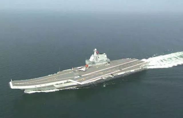 第一艘国产航空母舰!山东舰入列!